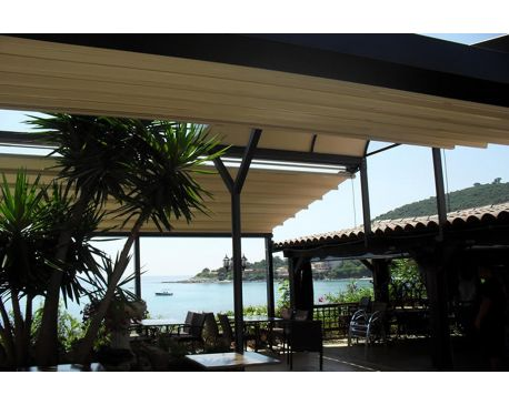 Retractable pergola covers by LITRA