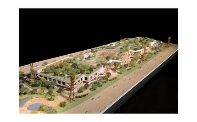 Facebook Plans Expansion of Campus