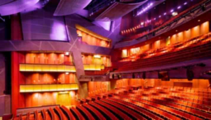 6 Tips for Designing Auditoriums that Combine Beauty and Functionality