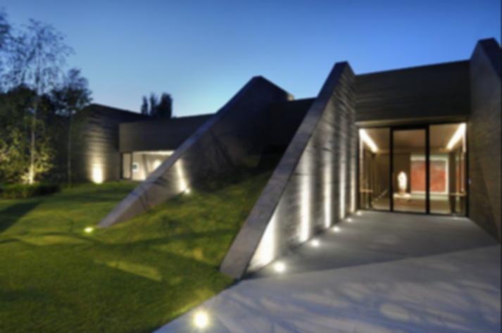 Building a Sustainable House Against Harsh Climates