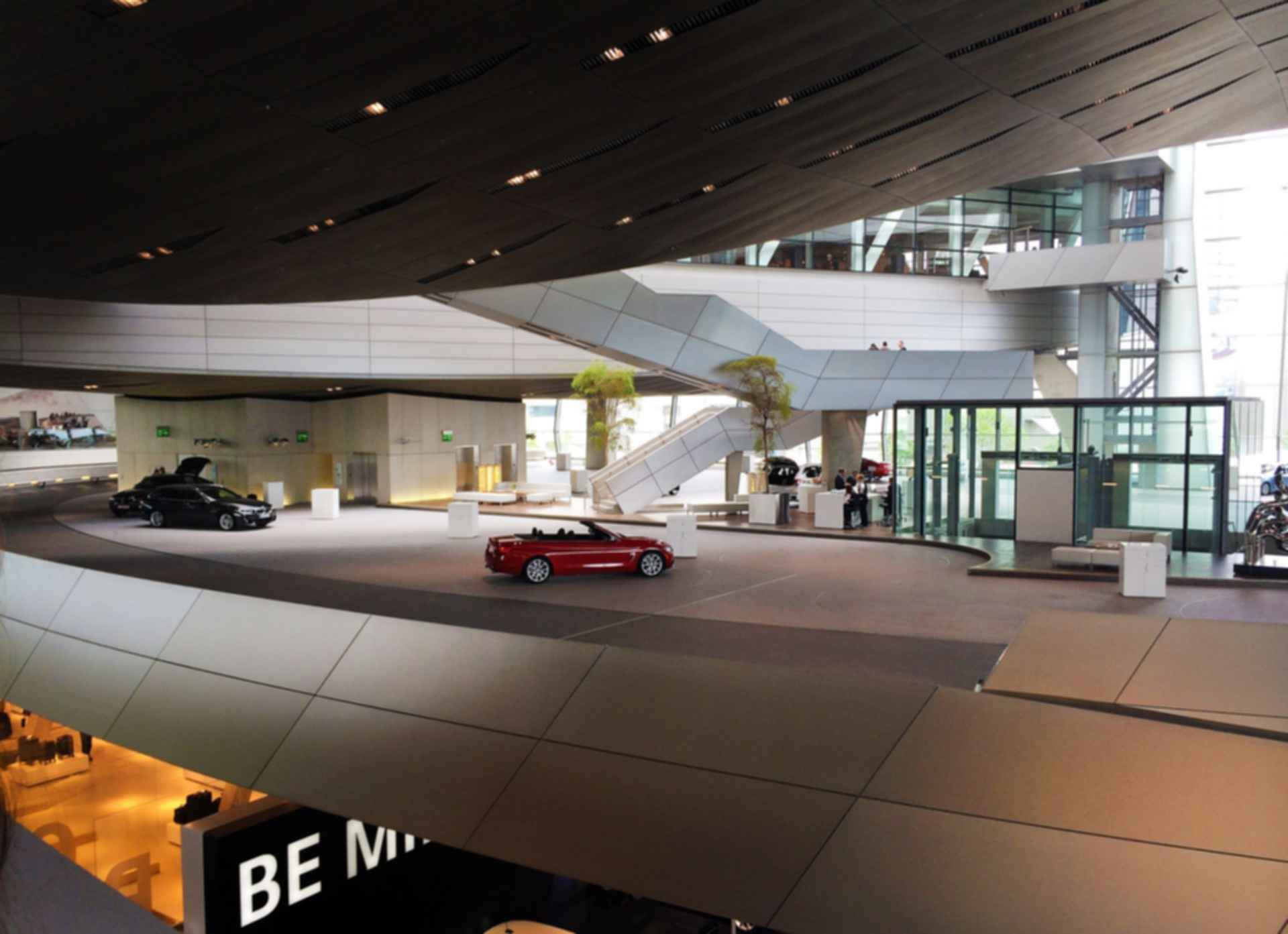 BMW Welt - Showroom