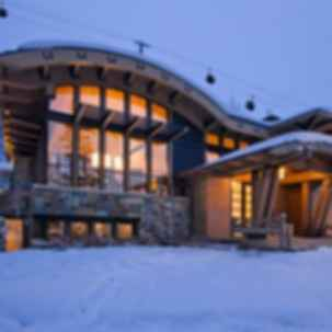 Modern Homes Built for Winters