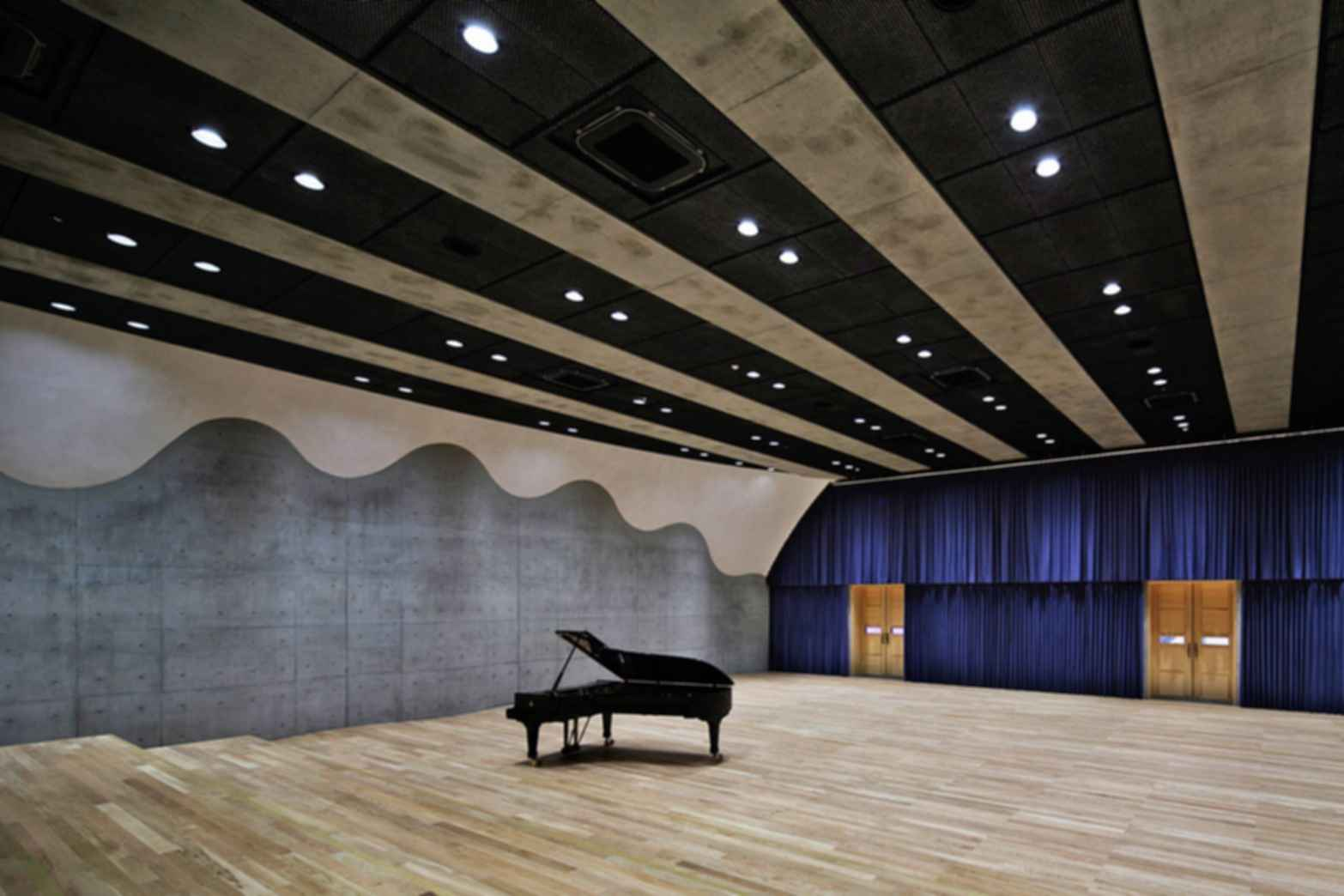 Senzoku Gakuen College of Music - Interior