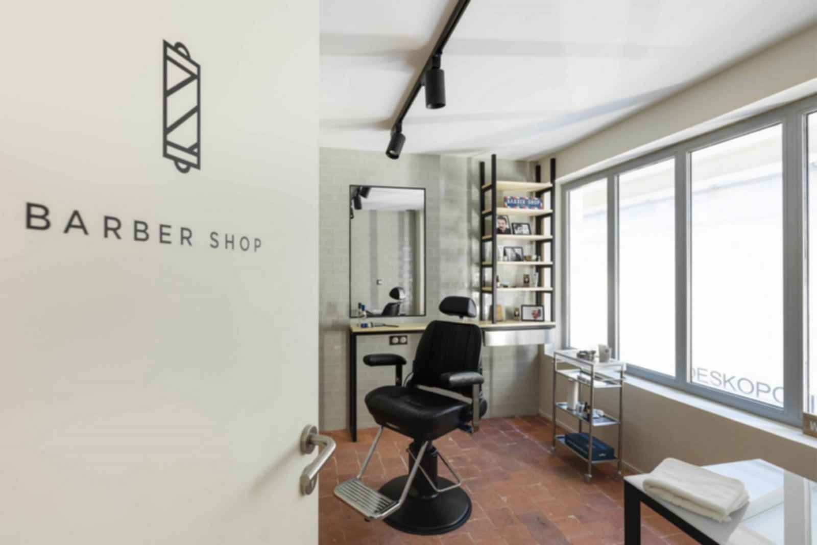 Deskopolitan Paris - Barber Shop
