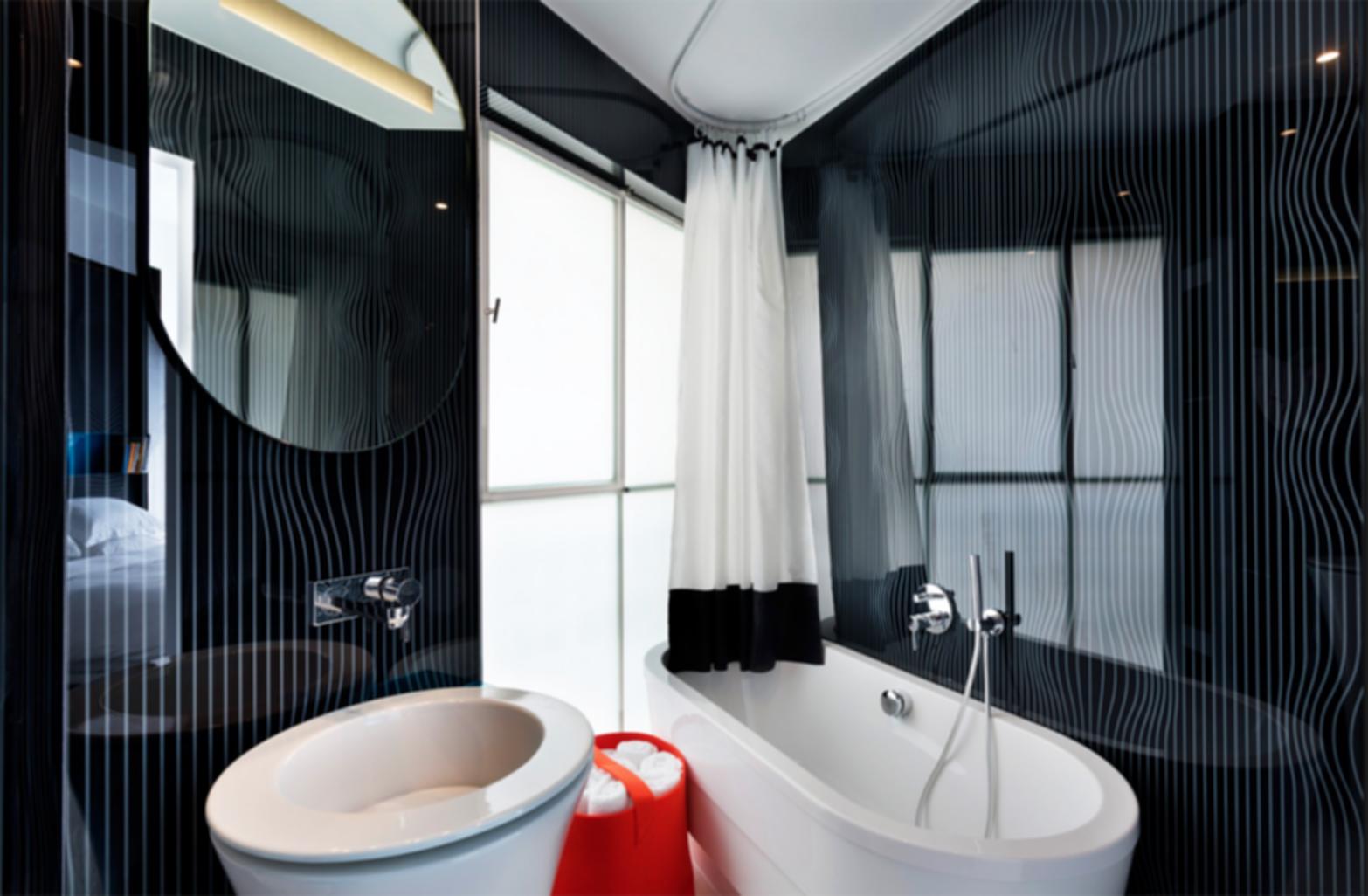 Poli House - Bathroom