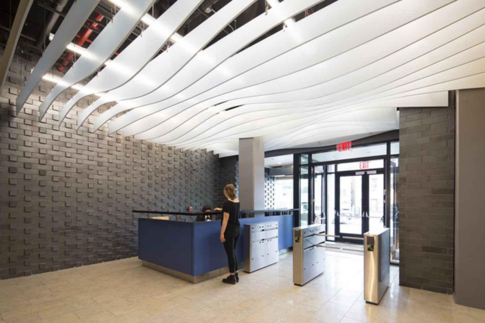 Boston Road - Lobby
