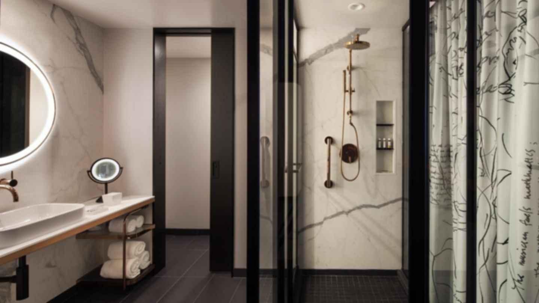 Hotel EMC2 - Bathroom