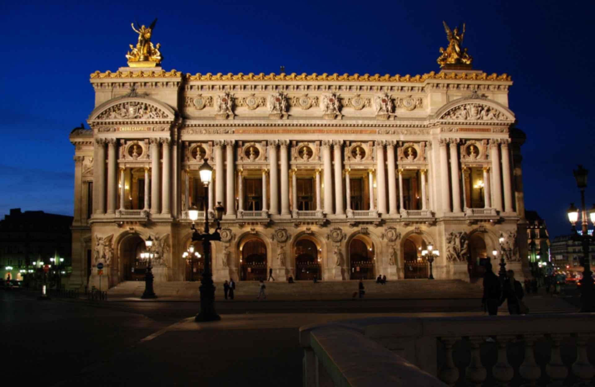 Palais Garnier - Exterior