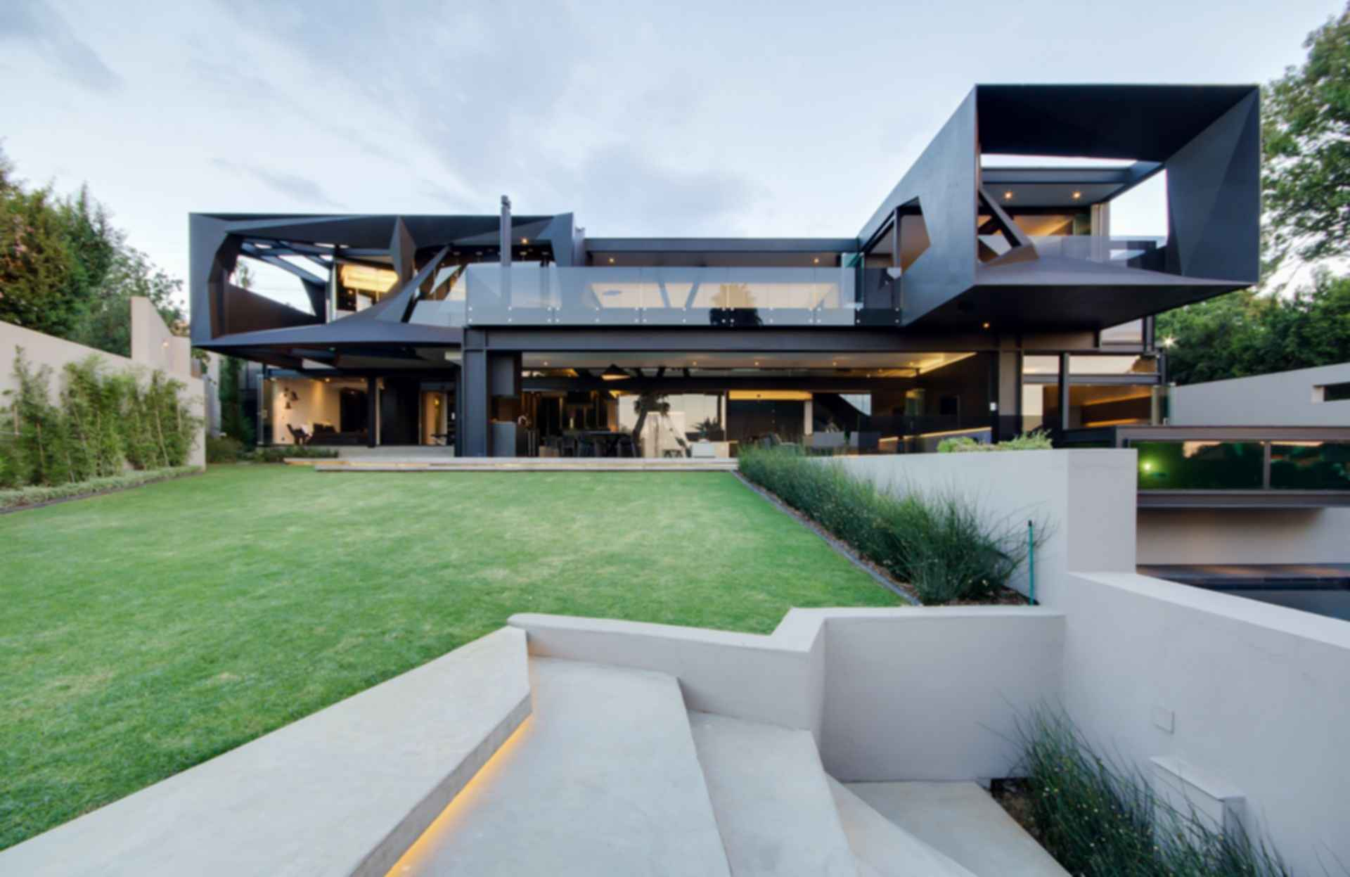 Kloof Road House - Exterior