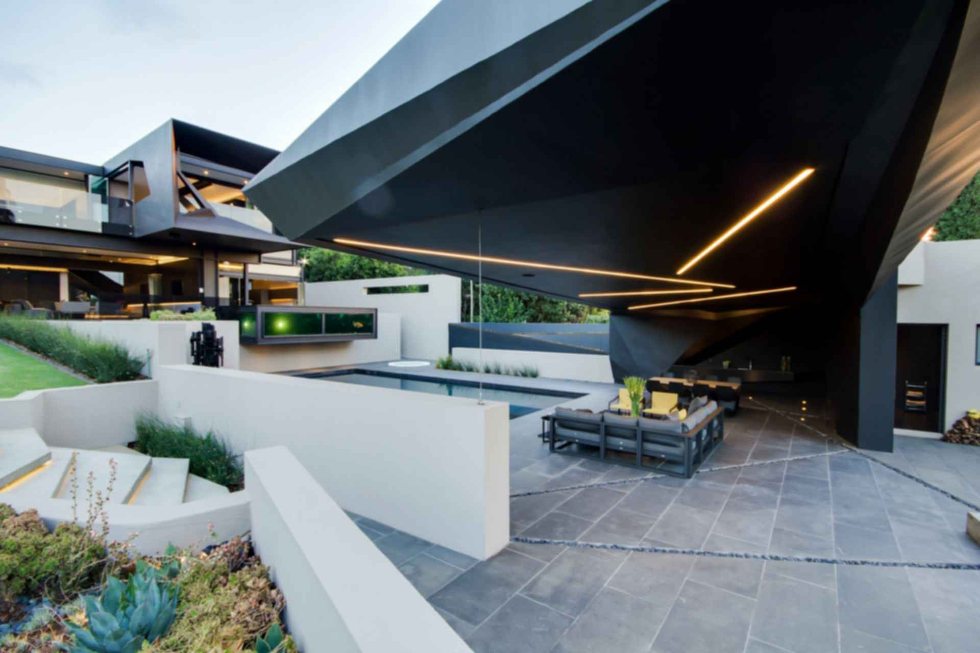 Kloof Road House - Outdoor Area