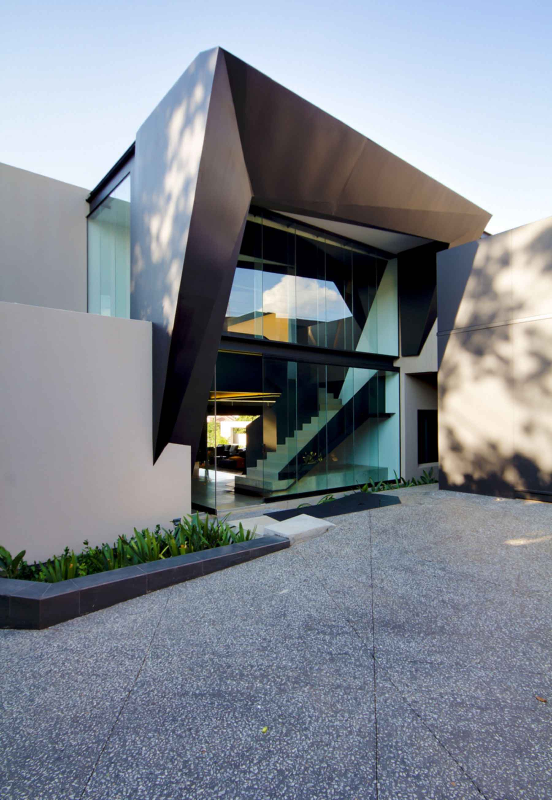 Kloof Road House - Front Exterior