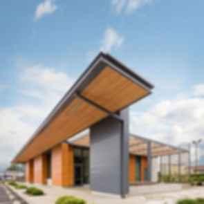 Umpqua Bank - Exterior