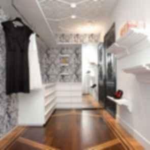Amsterdam Residence - Walk In Wardrobe