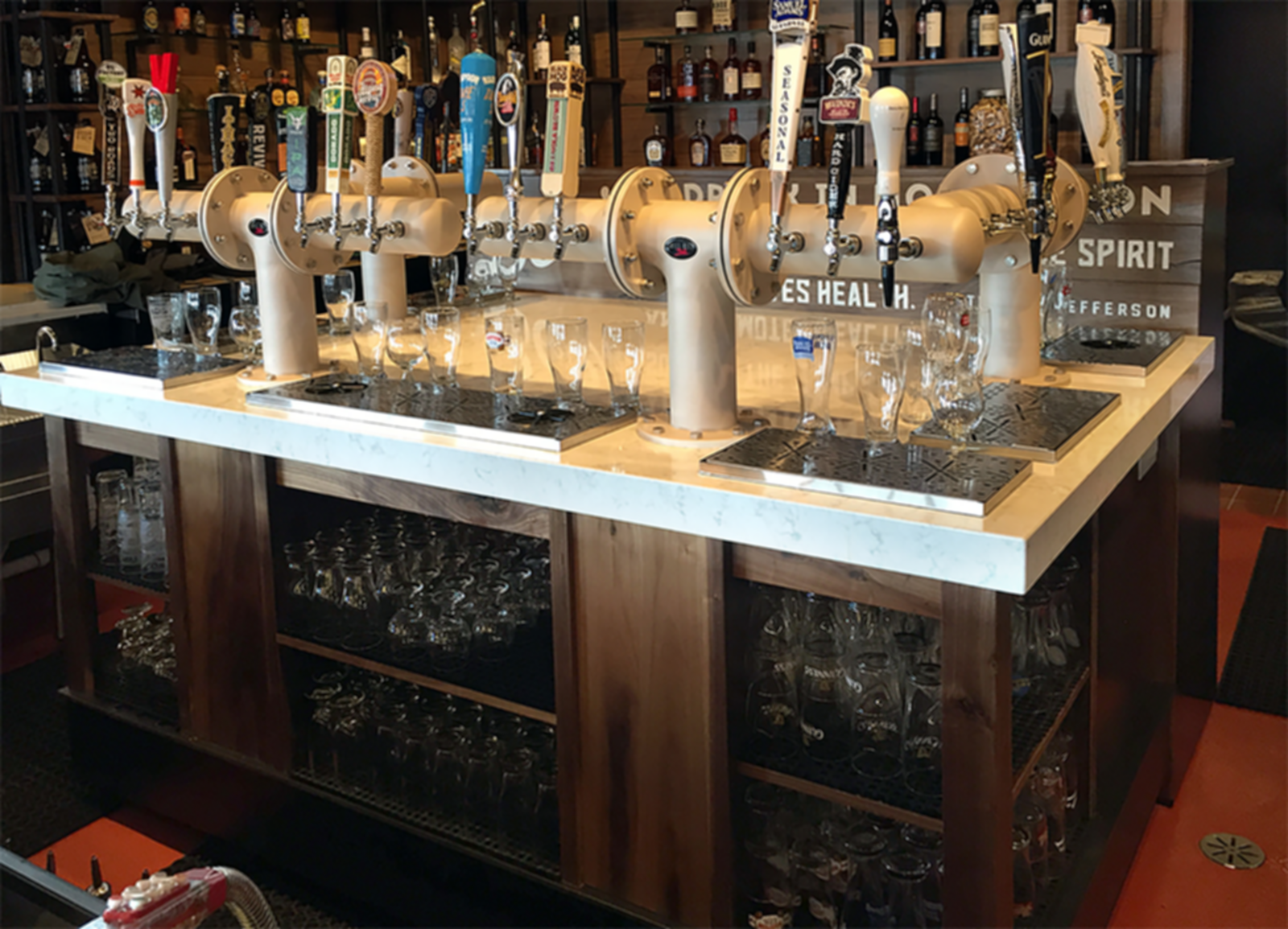Wood&Tap - Bar Island