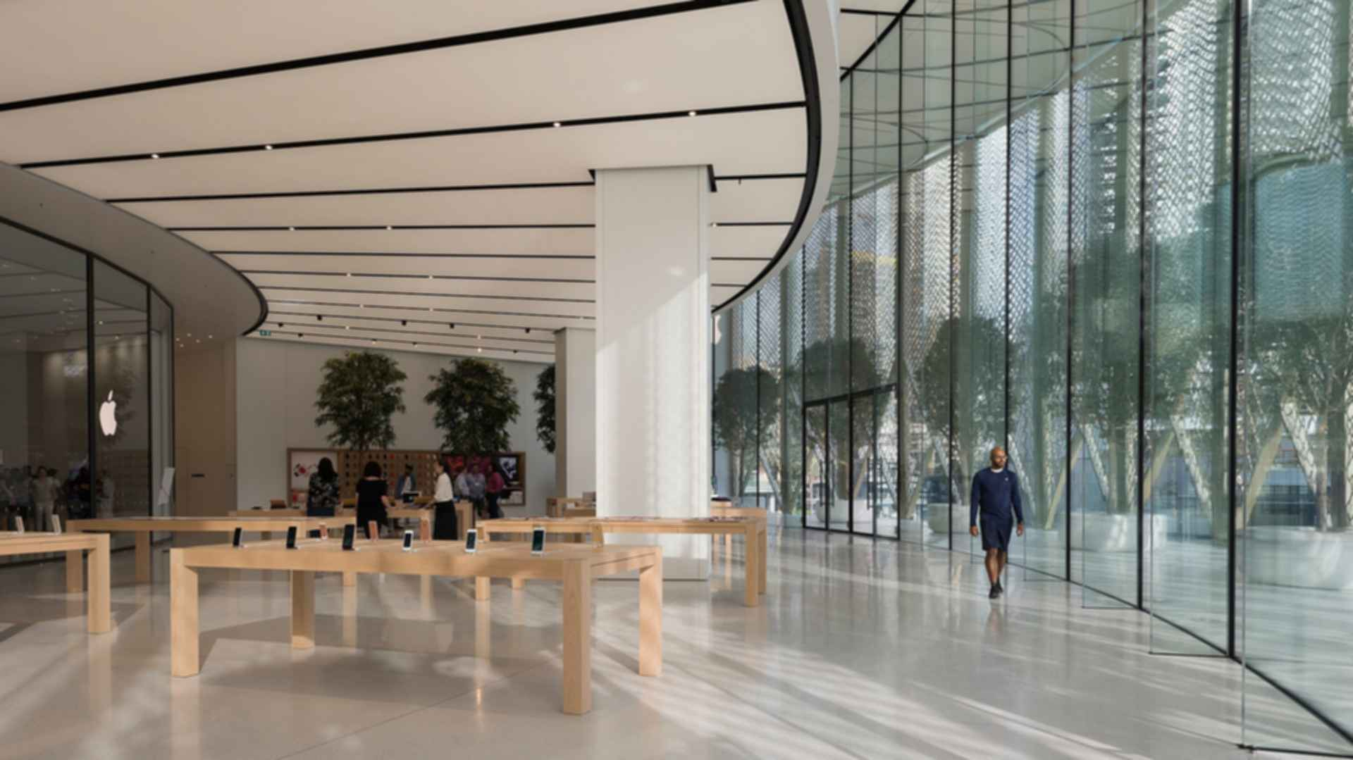 Apple Dubai Mall - Interior