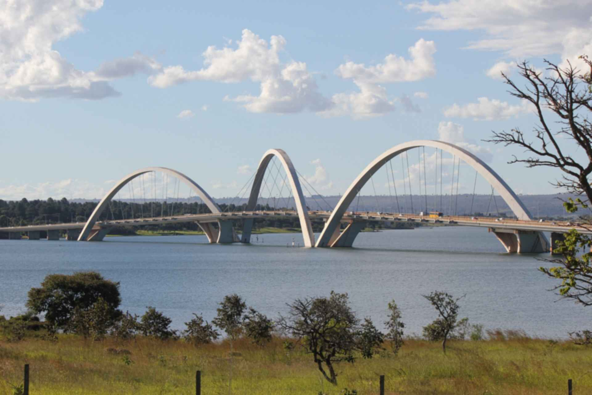 Juscelino Kubitschek Bridge - Arches