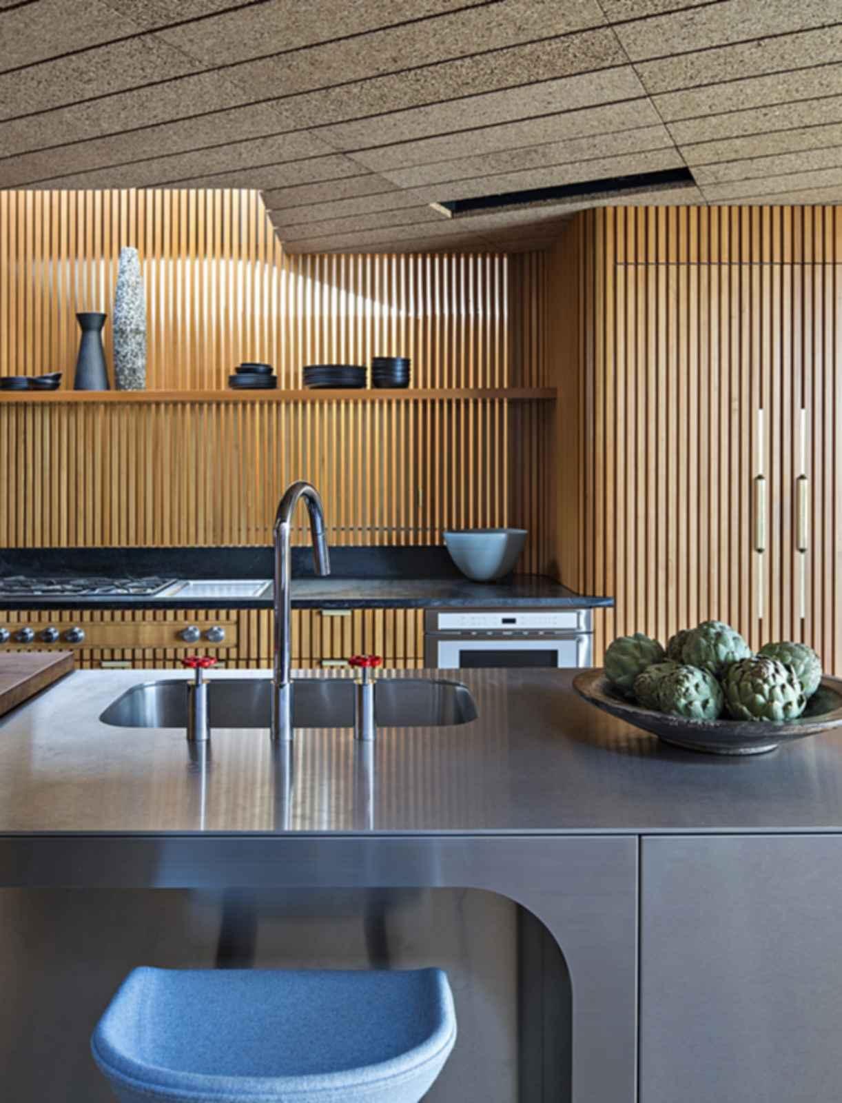 Silvertop - Kitchen