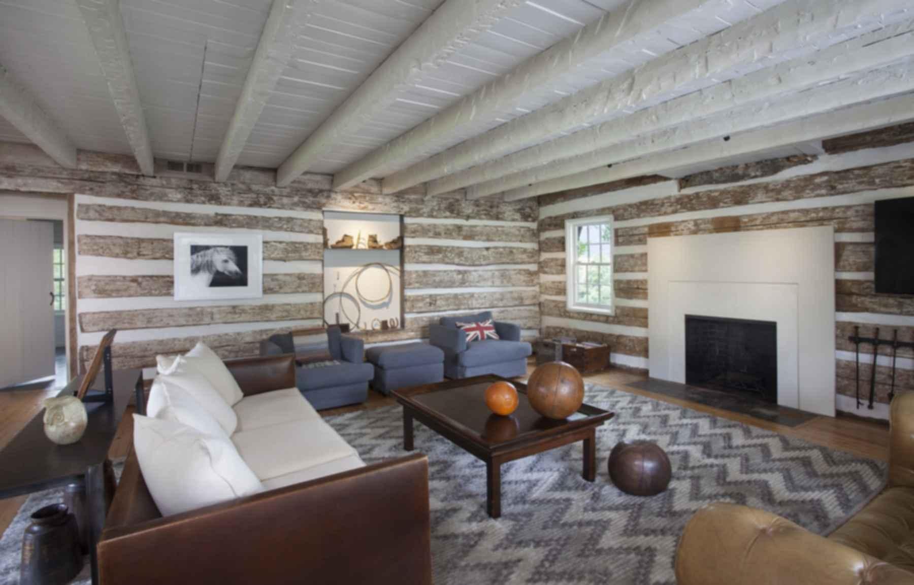 Heirloom Farm Cottage - Living Room