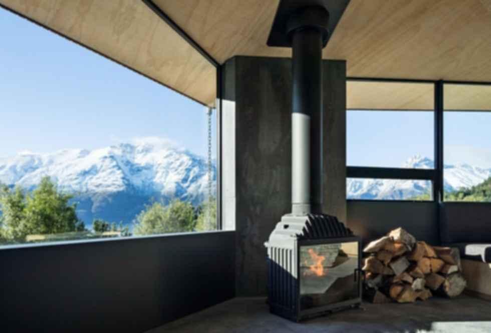 Bivvy Hut - Fireplace