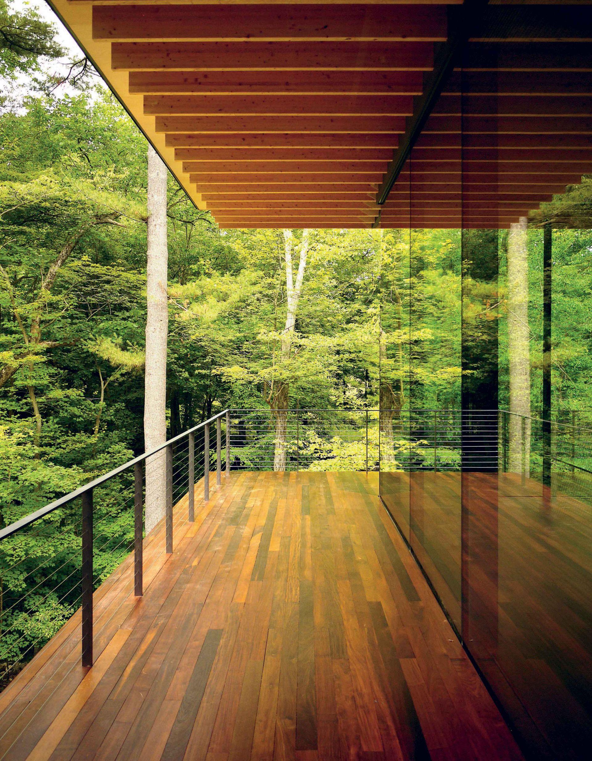 Glass/Wood House - Exterior Decking - modlar.com