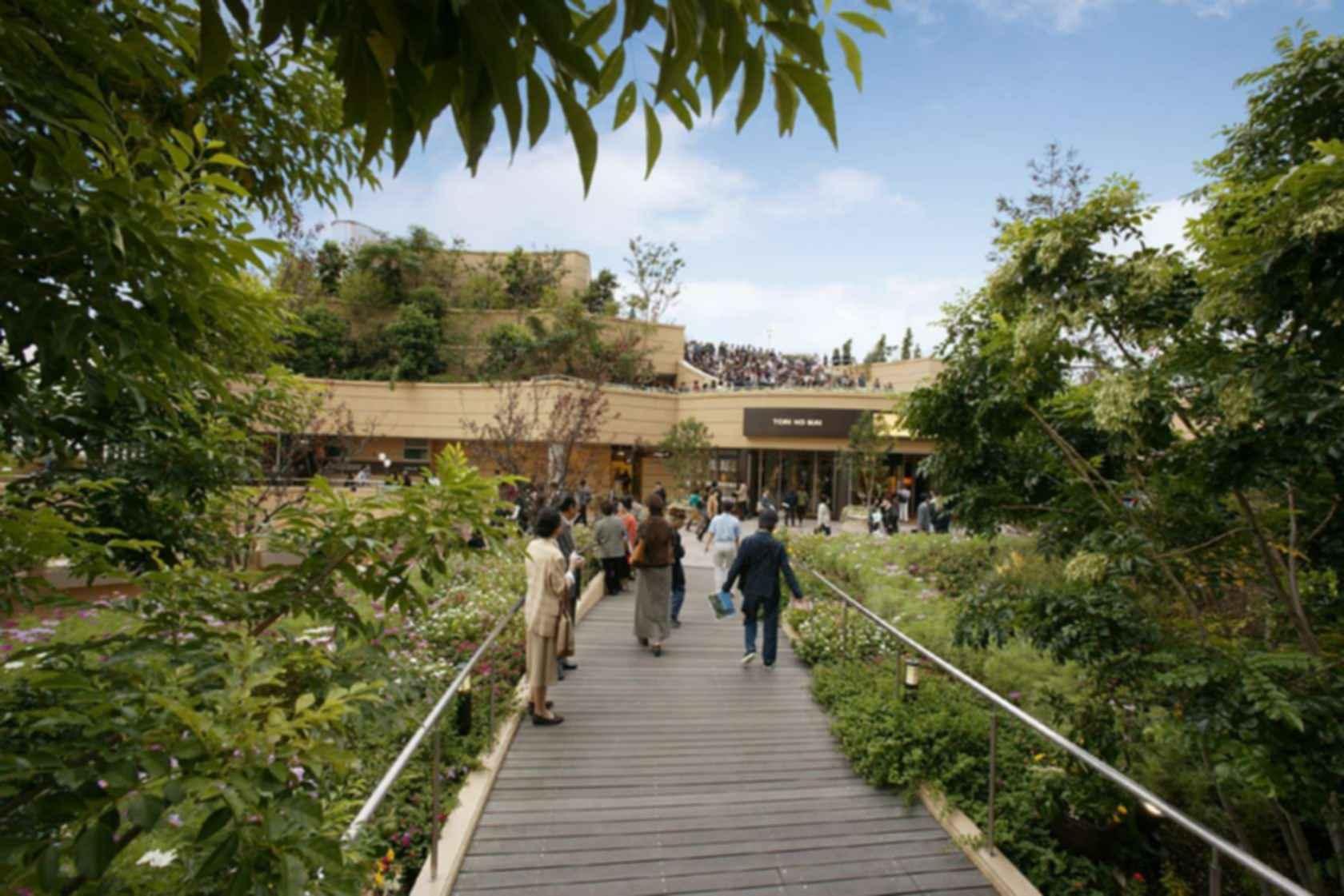 Namba Parks - Walkway