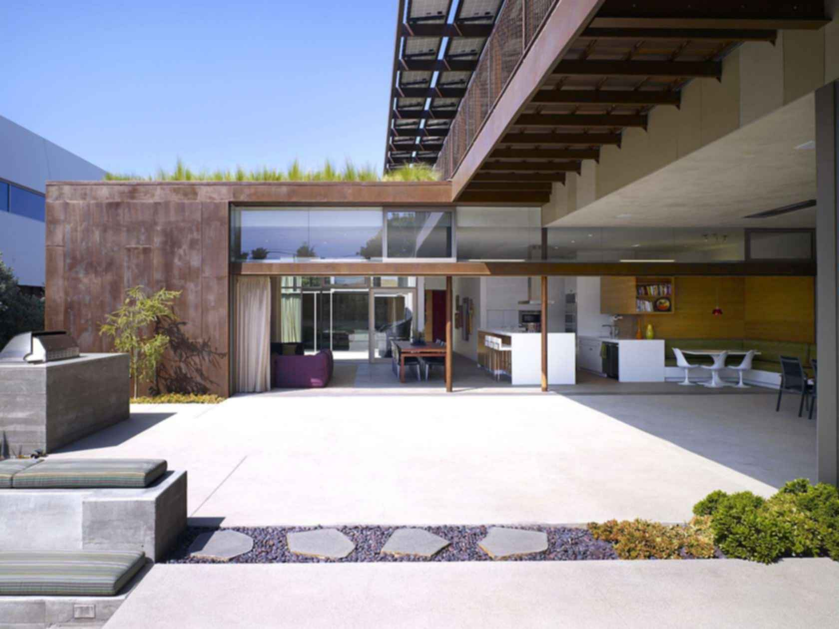 Ying Yang House - Outdoor Area