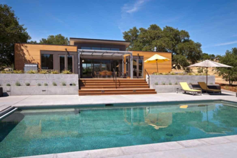 Breeze House - Exterior/Pool