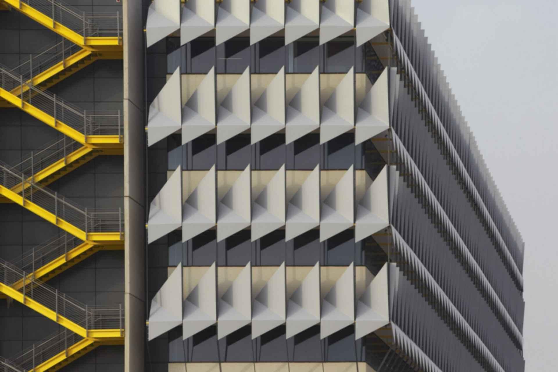 Siemens HQ in Masdar City - Exterior Shade/Stairs