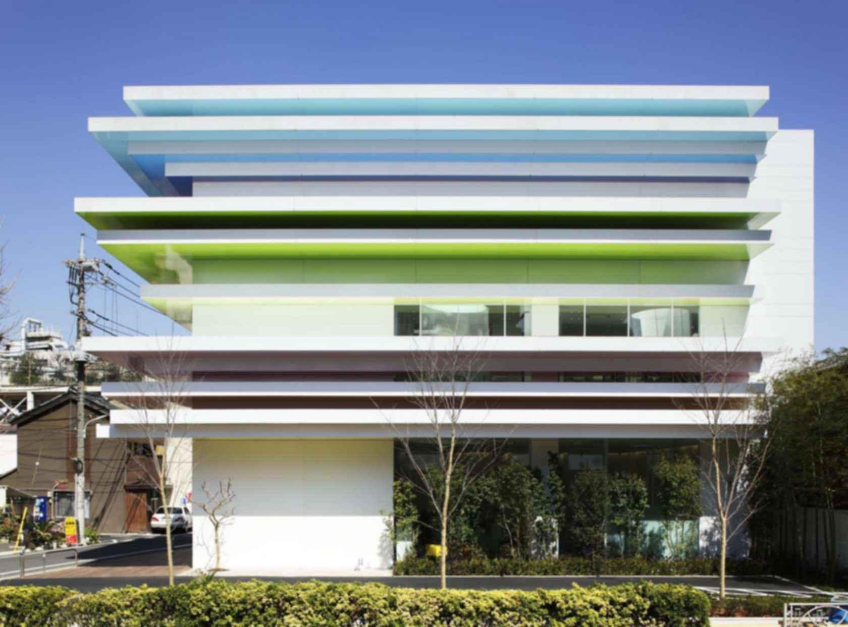 Sugamo Shinkin Bank - Exterior