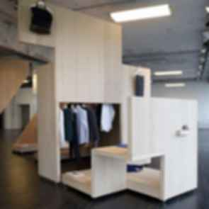 COS Pop-Up Store - Set Up