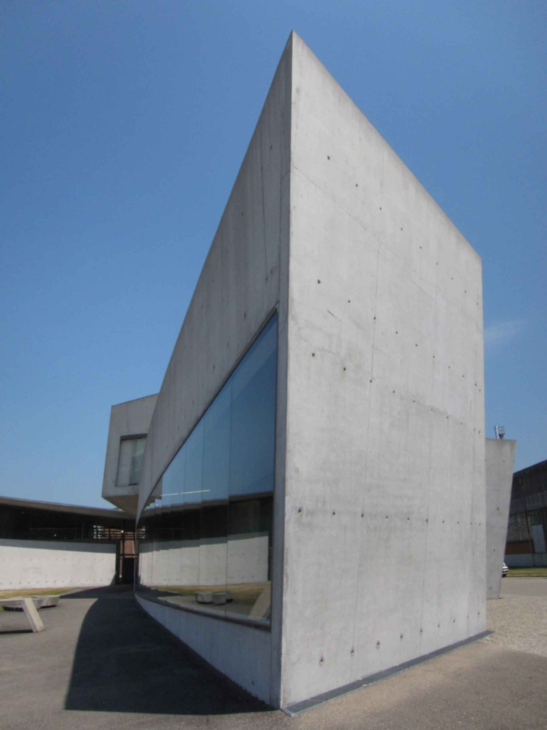 Vitra Fire Station - Exterior