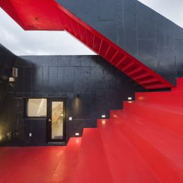 Go.mir Guest House - Interior Stairs