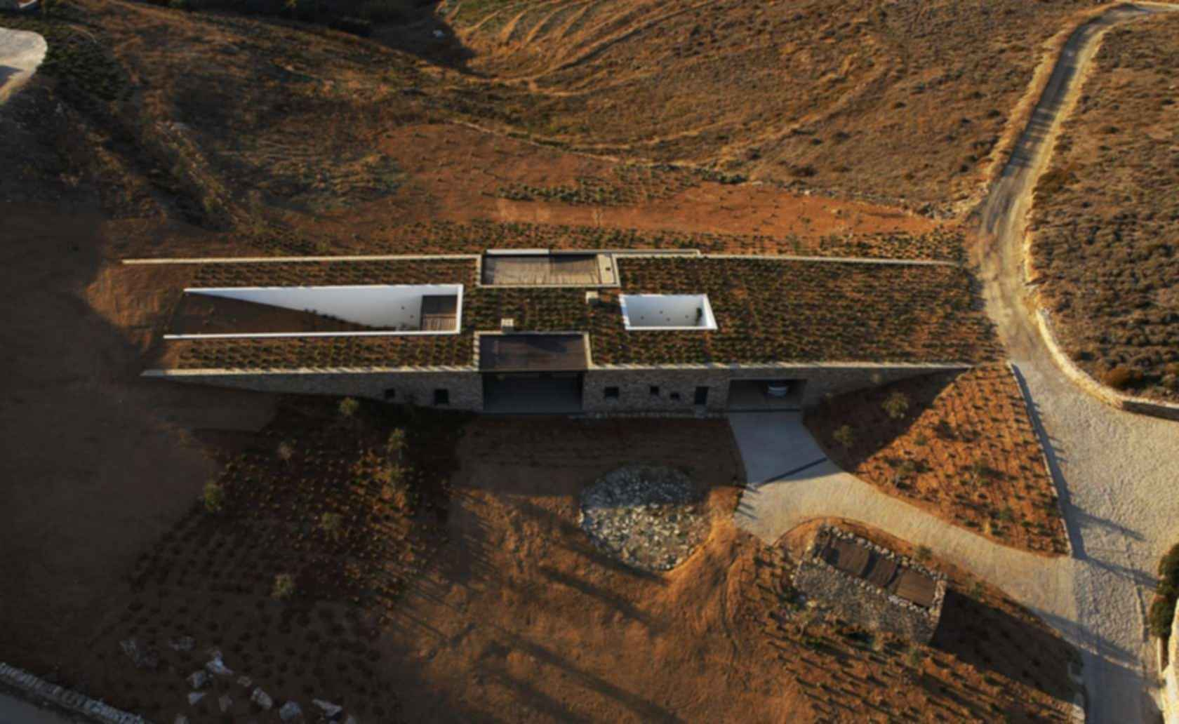 The Aloni House - Exterior from above