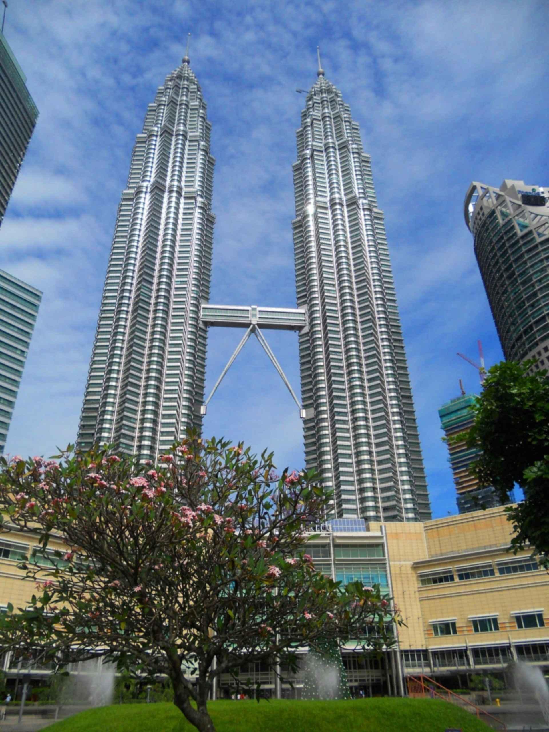 Petronas Towers - Exterior