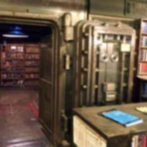 The Last Bookstore - Interior/Door