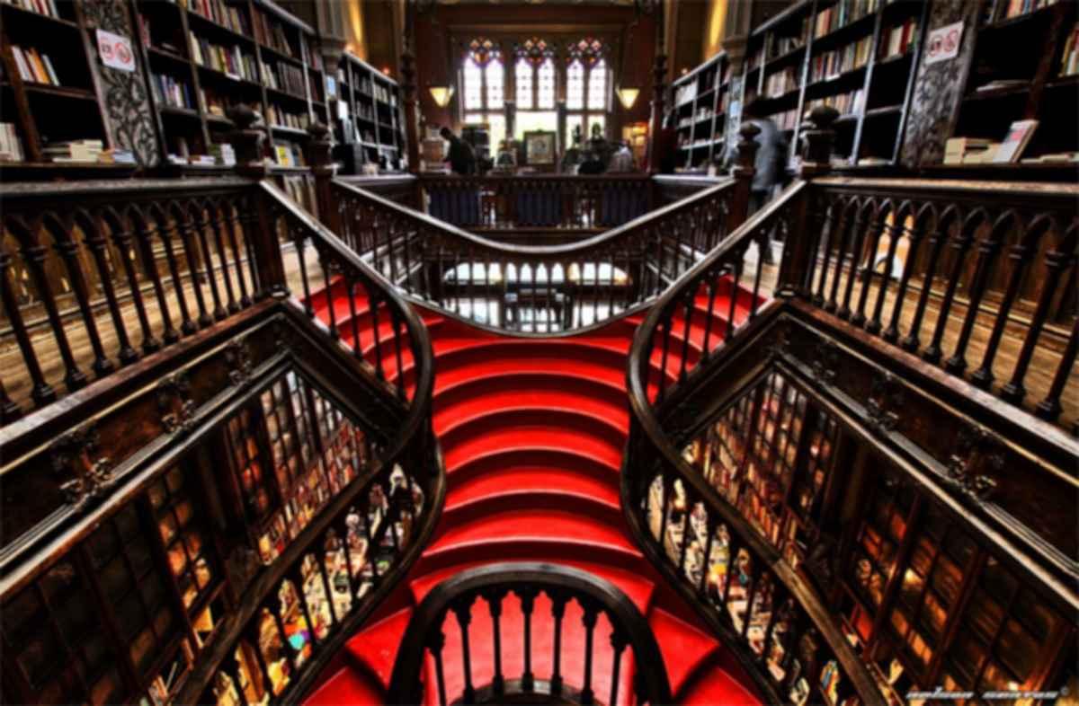 Livraria Lello & Irmao - Interior/Stairs