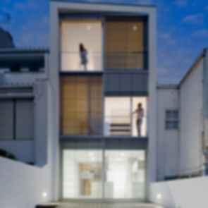 House 77 - Exterior/Backyard
