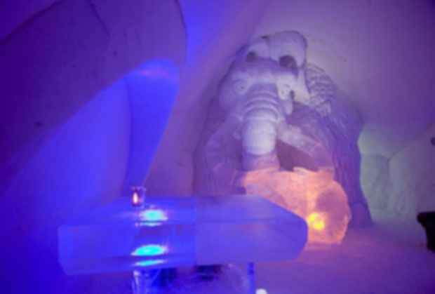 LumiLinna Snow Castle - Interior/Tables