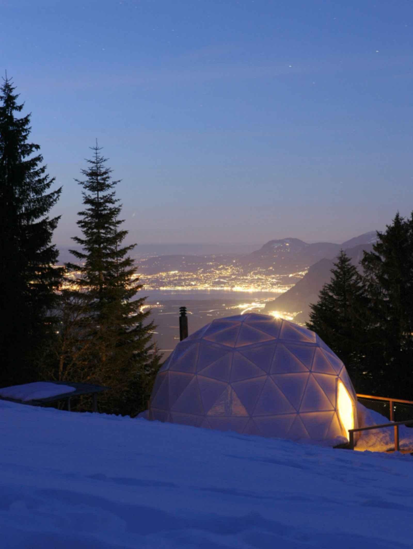 Hotel Whitepod - Exterior at Night/Landscape