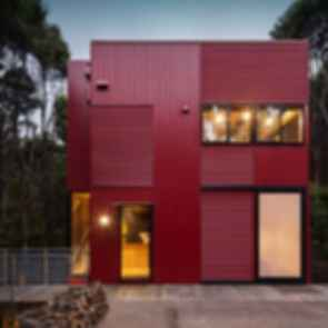 The Titirangi Red House - Exterior
