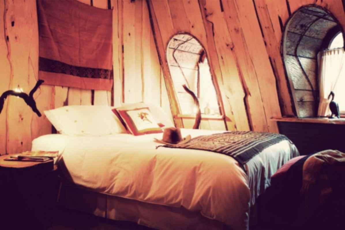 Magic Mountain Hotel - Interior/Bedroom