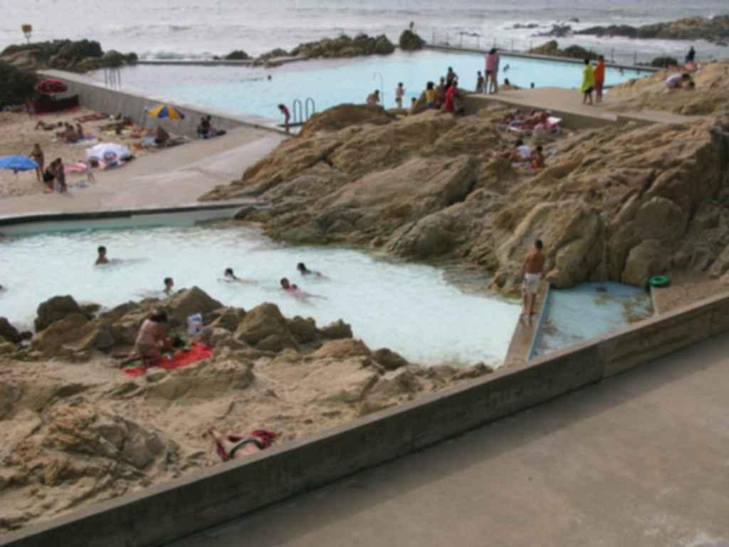 Leca Swimming Pool - Pool/Rocks