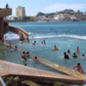 Colectivo Urbano - Slide/Pool