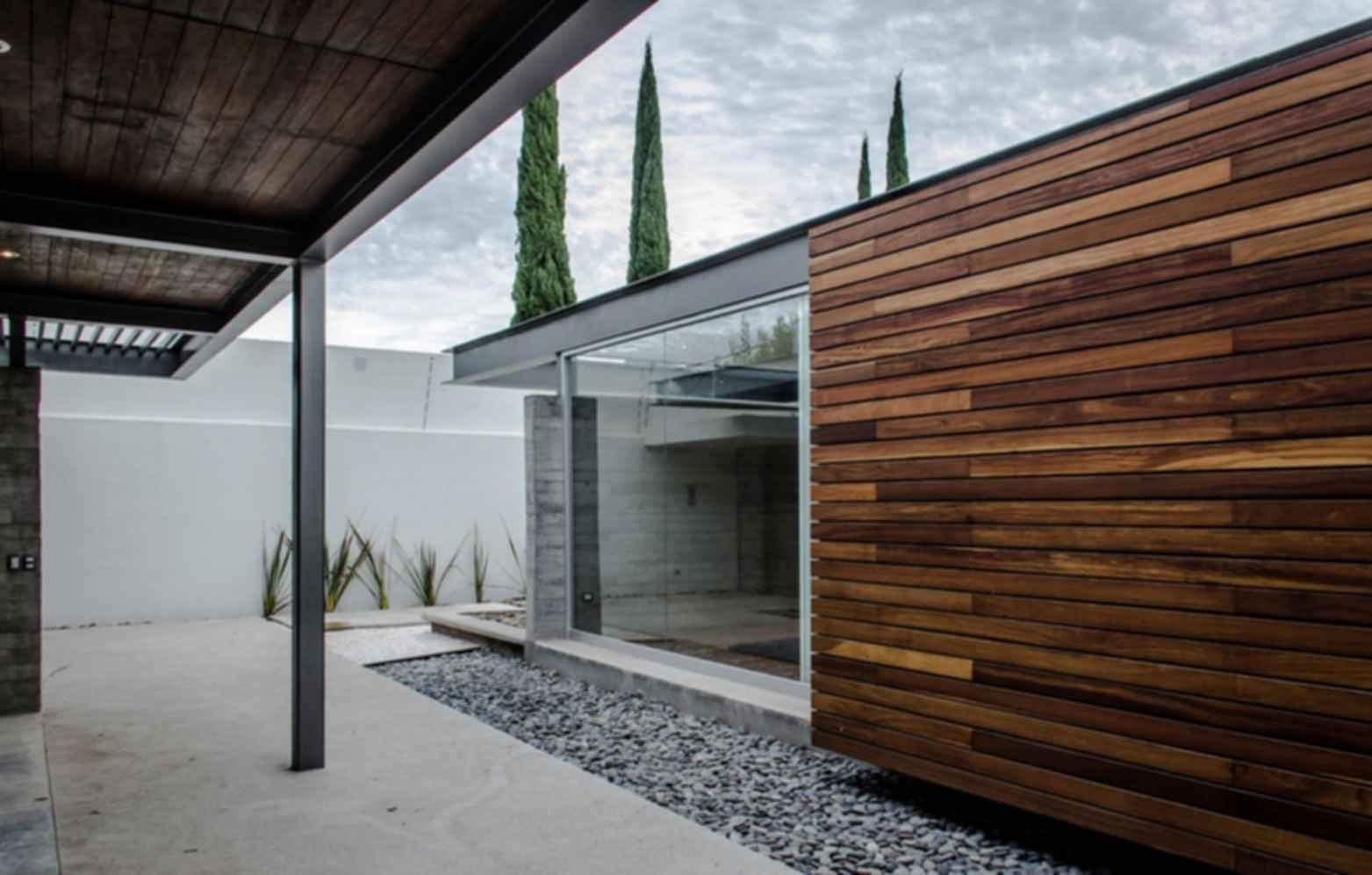 TCH House - Exterior
