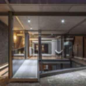 Mercedes House - Interior/Pool