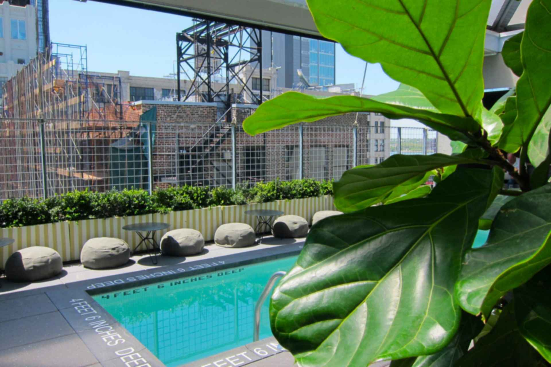 Rooftop bars in new york city for Hotel americano pool