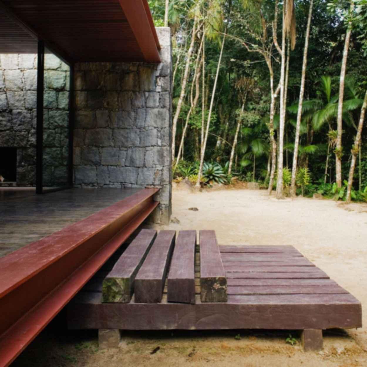 Rio Bonito - Exterior/Stairs