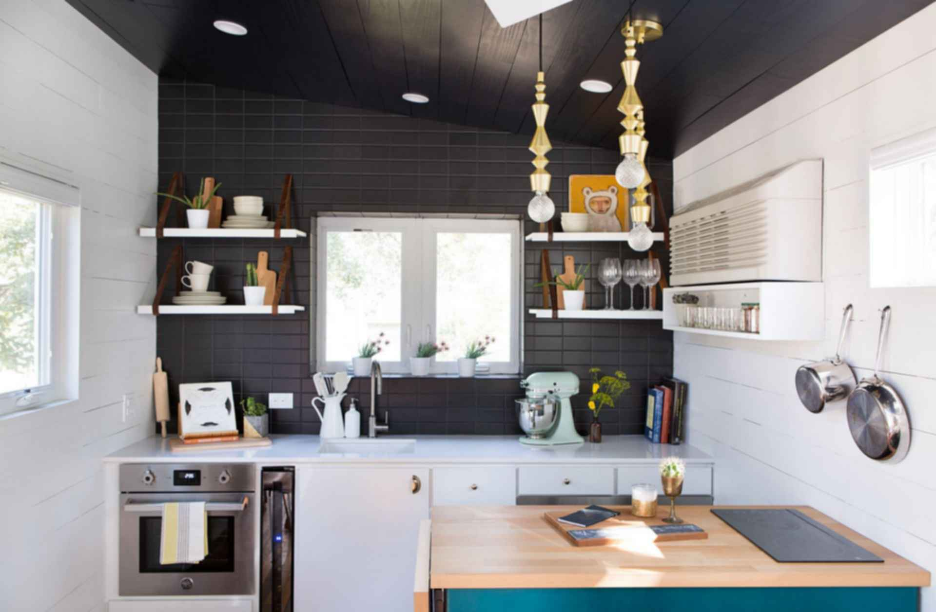 Midcentury Mini - Kitchen