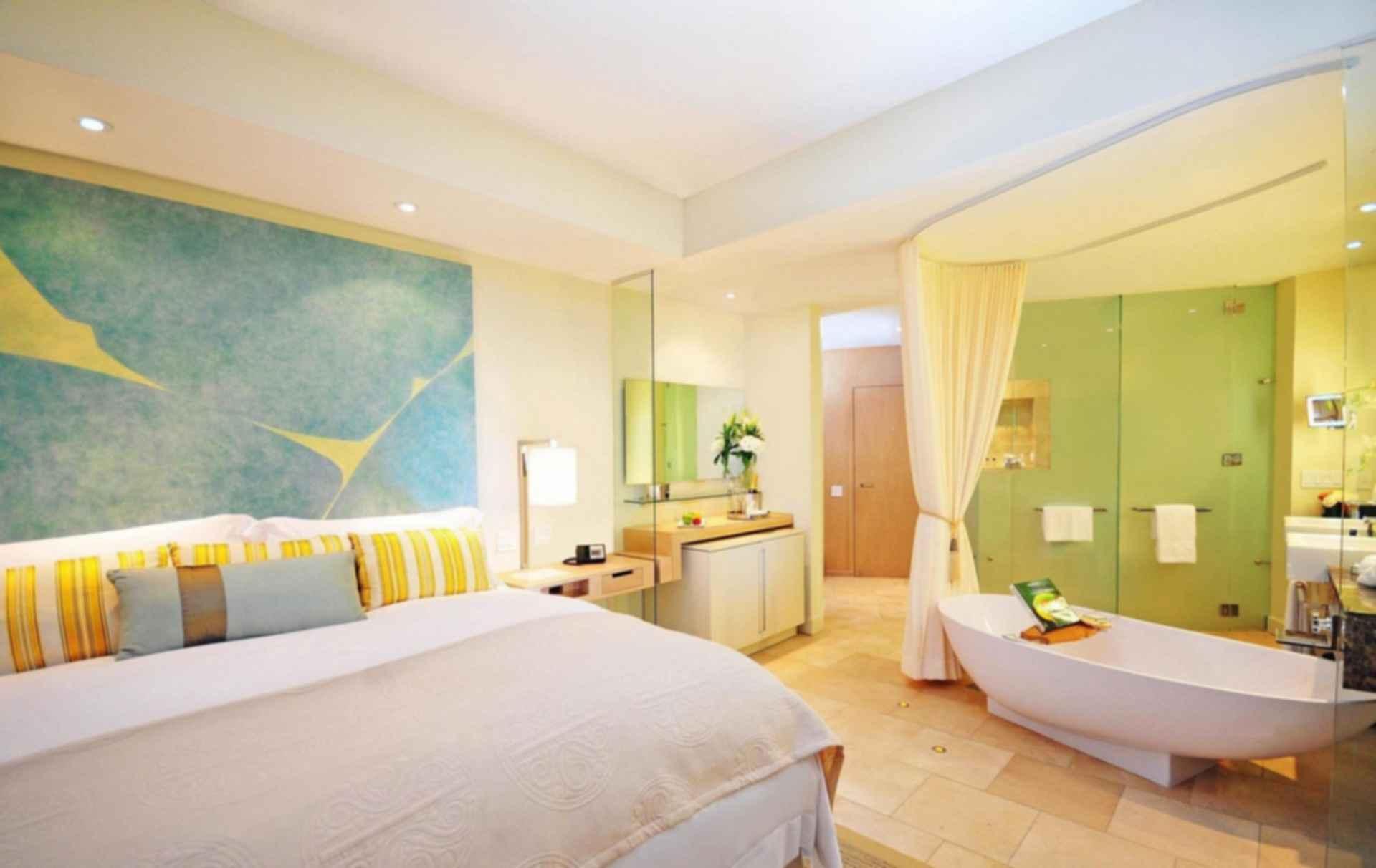 Trump Ocean Club International Hotel and Tower, Panama - Interior/Bathroom/Bedroom