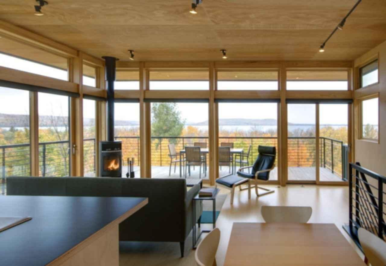 Glen Lake Tower - Interior/Lounge